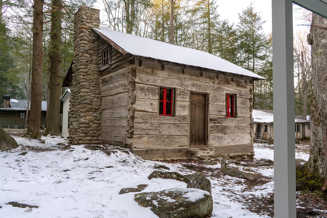 Elkmont Log Cabin