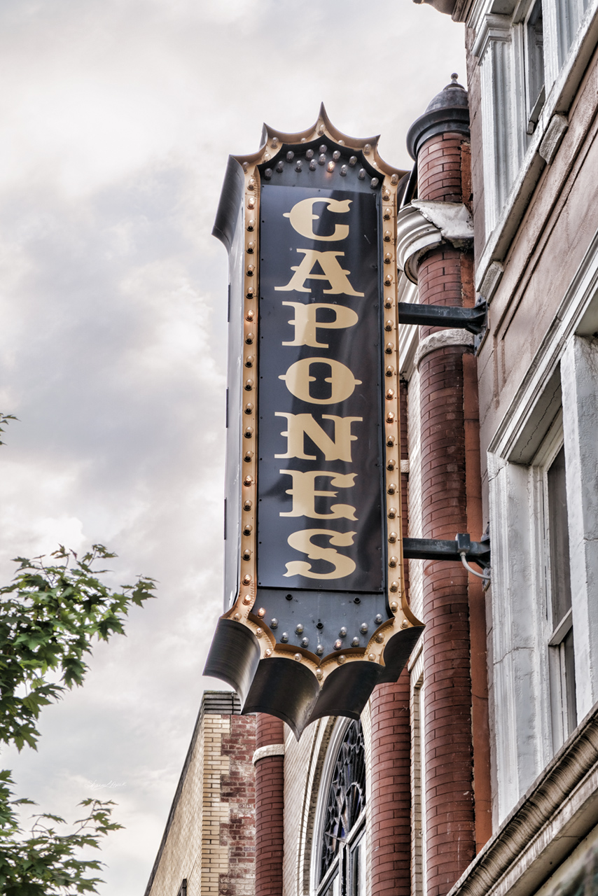 Capones Sign